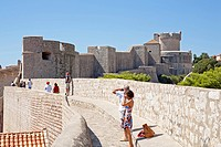 On the city wall of the historic town of Dubrovnik, Fort Minceta, Southern Dalmatia, Adriatic Coast, Croatia, Europe