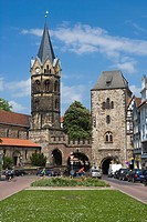 Nikolaikirche church and town gate at Karlsplatz square, Eisenach, Thuringia, Germany, Europe