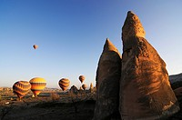 Hot_air_balloons over the Goereme valley, Goereme, Cappadocia, Turkey