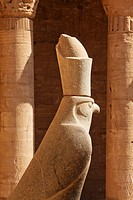 Statue of Horus at the entrance to the courtyard, Temple of Horus, Temple of Edfu, Edfu, Egypt, Africa