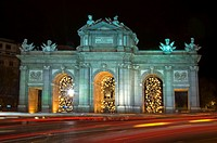 Night view of Puerta de Alcalá with Christmas decoration, Comunidad de Madrid, Spain, Europe