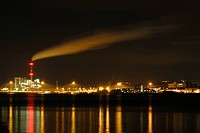Ostuferhafen harbor with cargo terminals and coal power station at night, Port of Kiel, Schleswig-Holstein, Germany, Europe