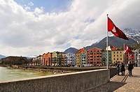 Alte Innbruecke bridge over the Inn River with row of houses, Innsbruck, Tyrol, Austria, Europe