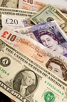 Pound sterling and dollar banknotes