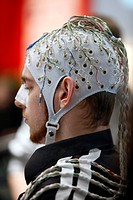 Control of machines and computers through brain activity, electrodes on the scalp detect brain activity and give signals to a technical device in orde...