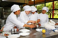 Young women, apprenticeship as a cook and baker, Fundación Cristo Vive, Santiago de Chile, Chile, South America