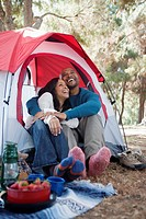 Couple camping (thumbnail)