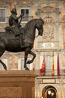 Felipe III statue, Plaza Mayor, Madrid, Spain