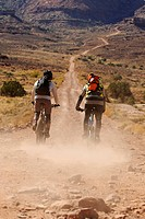 Mountain bikers, White Rim Trail, Moab, Utah, USA