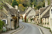 Main street thru village, Castle Combe, Cotswolds, England, UK