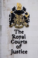 The Royal Courts of Justice Dieu et mon Droit, Coat of Arms, Fleet Street, London, England, UK