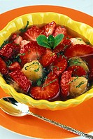 Strawberies and rhubarb with thyme _ Dietetic menu