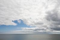 USA, Massachusetts, storm cloud above sea