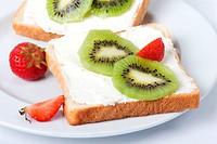 Kiwi_Erdbeer_Toast