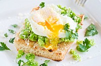 Broadbean crostini with poached egg