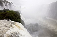 Iguazu Falls with devil's throat, Iguazu National Park, Brazil
