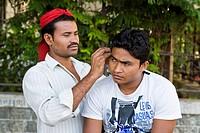pulitore di orecchie, mumbai, india
