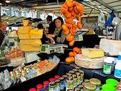 Paris, France, Italian Delicatessen in Organic Food, Farmer´s Market, Boulevard Batignolles