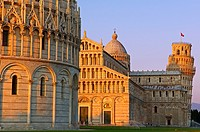 Pisa, Baptistery, Cathedral, Duomo, Piazza del Duomo, Cathedral Square, Campo dei Miracoli, UNESCO world heritage site, Tuscany, Italy