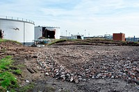 Chemical factory demolition. Rubble and derelict storage tanks during the demolition of the Carbon Cabot chemical factory, Ellesmere Port, Cheshire, U...