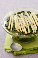 Spinach flan with white asparagus