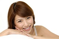 Portrait of a fresh and lovely woman smiling (thumbnail)