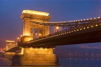 Sz&#233;chenyi Chain Bridge and Danube river at night, Budapest, Hungary