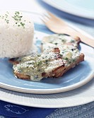 Pork chops with roquefort sauce