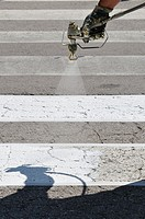 painting road marking