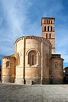 XII century Romanesque church-XIII declared a national monument in 1 931, is on the outskirts of Segovia in the district of San Lorenzo which is named