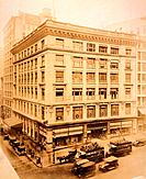Best and Company department store at 5th Avenue and 35th Street New York City. Ca. 1917 photo by Irving Underhill. BSLOC_2010_18_98