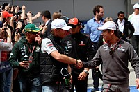 Nico Rosberg GER, Kamui Kobayashi JAP, Chinese Grand Prix, Shangai, China