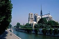 Ile de la Cite. River Seine. Notre Dame cathedral. Boats moored. People on river walk. ArchitectureHistoricalReligiousScenics & landscapes