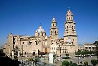 Plaza de Armas,square. Large baroque cathedral building.