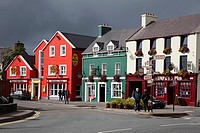 exterior of hotel and pub, dingle bay county kerry ireland