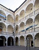 ab 1533 im Auftrag des Grafen Gabriel von Salamanca_Ortenburg 1489_1539 erbaut, Arkadenhof