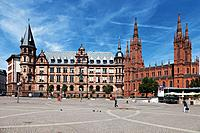 Europe, Germany, Hesse, Wiesbaden, View of town hall with city square