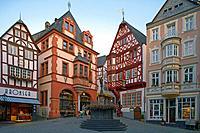 Marketplace Marktplatz, Bernkastel_Kues, Mosel, Rhineland_Palatinate, Germany, Europe