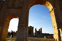 Africa, Tunisia, Sbeitla Archaeological Site, Roman Ruins, View to Forum through the Arch of Antoninus Pius