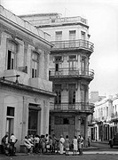 geography / travel, Cuba, Havana, street scenes, people queuing in front of a grocery store, August 1971,