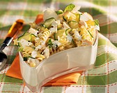 pasta and courgette salad