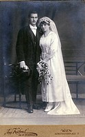 people, marriage, bridal couple, cabinet card, August Kuehnel, Vienna, Austria, circa 1910,