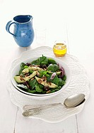 Spinach and avocado salad with walnuts