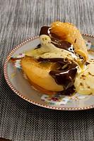 Pere al cioccolata con zabaione di Prosecco caramelized pears, Friuli