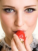 Beautyfull girl with strawberry