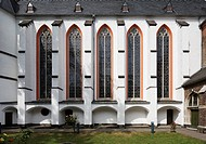 Kreuzgang, Blick auf die Klosterkirche