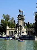 Spain, Madrid, El Retiro Park, Lake and Monument at Park                                                                                              ...
