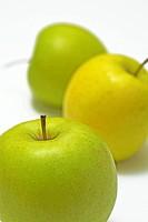 Three apples, close_up