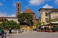 Lucca, San Martino Square, Piazza San Martino, San Giovanni church, Chiesa di San Giovanni, Tuscany, Italy.