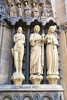 Germany, Trier, Rhineland_Palatinate, statues at the entrance of the Church of Our Dear Lady Liebfrauenkirche.